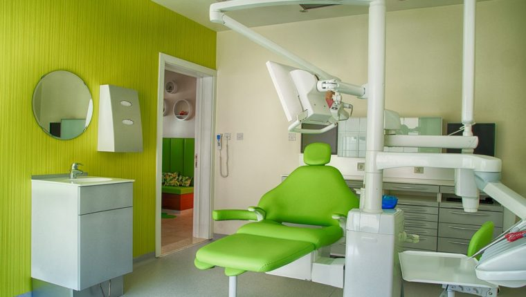 La limpieza de una clínica dental